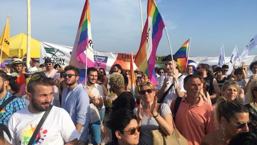 Latina Lazio Pride, una festa colorata sul lungomare