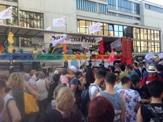 Sardegna Pride, in migliaia a Cagliari